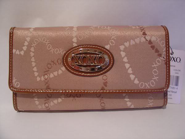 SELLING: ORIGINAL BRANDED BAGS AND WALLETS XOXOWALLET0031php1000
