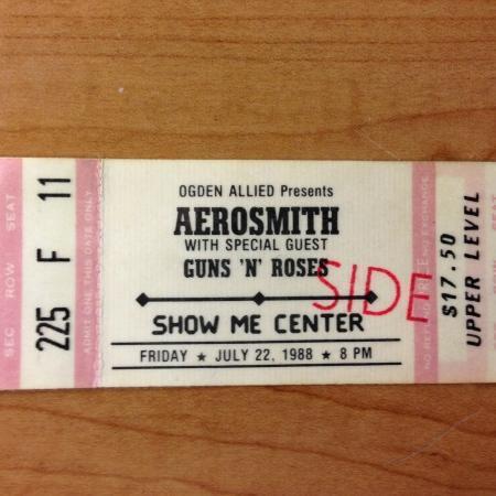 1988.07.22 - Show Me Center, Cape Girardeau, USA 114415_871_0_sq