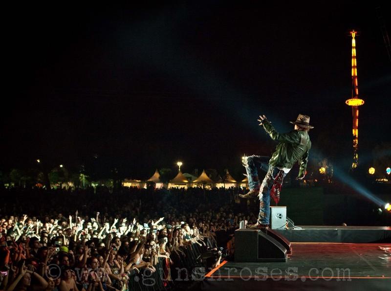 2012.07.20 - Costa de Fuego festival, Benicássim, Spain Large0_-x-XGL92Ft9GWj3-s2t1s6UhrzMToepjKQAJ01z9g