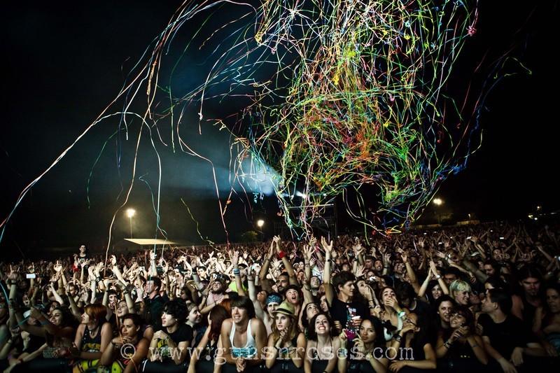 2012.07.20 - Costa de Fuego festival, Benicássim, Spain Large12flqCghBOC0nD9S-b8MbR6x67L1LptYulRgnXbf1dg