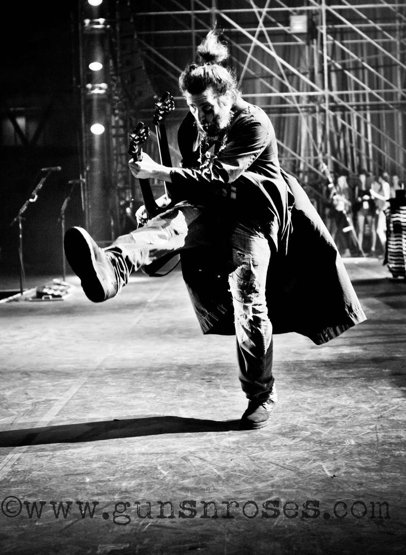 Bumblefoot (Ron Thal) Large1M-AbR98zINFuJPWkIXUQjLGce0kxQjxUrQLuWs2SSo