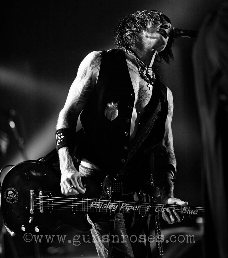 2012.06.22 - Gods of Metal, Milan, Italy Large6XY2VHv-HV6lXiy_UG9TsxK3evZGTbKhgIFdzHwKxD4