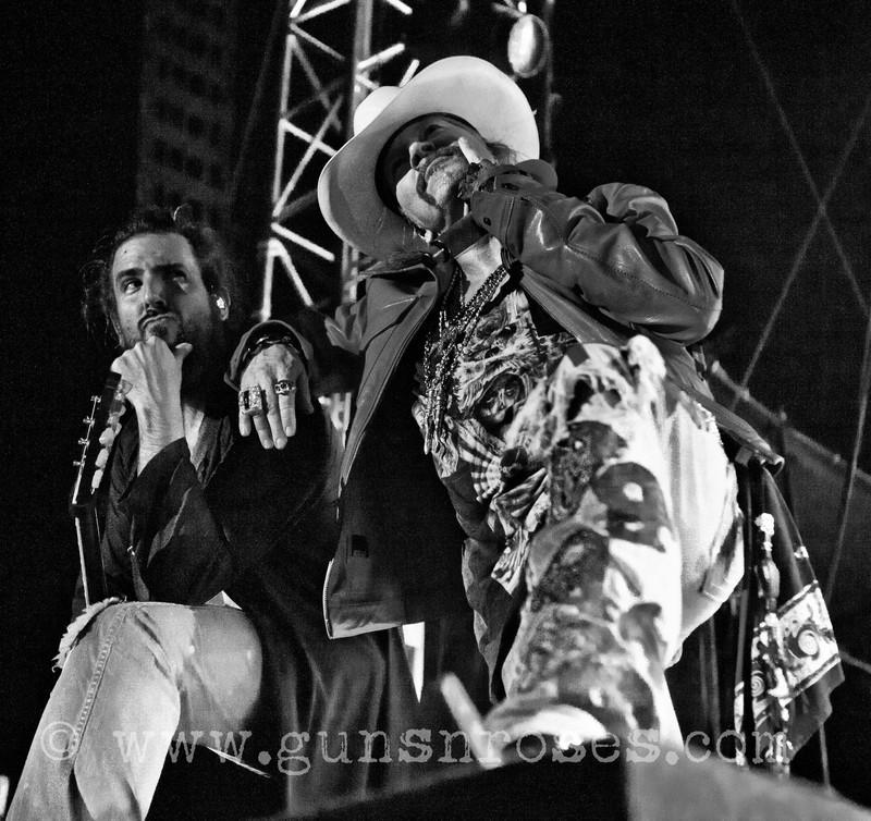 2012.07.06 - Istanbul Rock Festival, Istanbul, Turkey Large97sWDAyZOheH_ONNe_aeoq01PH93PLmMAQ61eBcgt-o