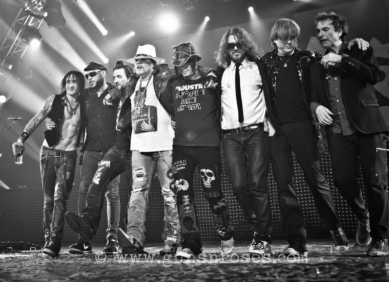 2012.11.03 - The Joint, Las Vegas, USA Large9pcJ72sWPFO2JEwjhanTmYslse2GPb6gFz4R1WLkfsU
