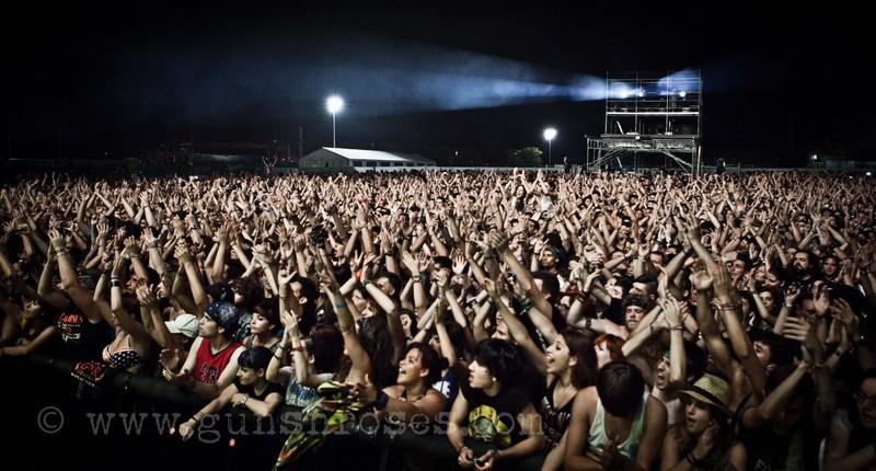 2012.07.20 - Costa de Fuego festival, Benicássim, Spain LargeS6Bui9ERGkmaPJeMu4lVvHl0wuqRbW5227jYJy1YrCI