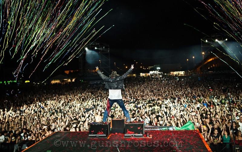 2012.06.22 - Gods of Metal, Milan, Italy LargeaGqPKR7hntr-9YlCOOs6rSdgFAhXHXghAyhecGQY7ZA
