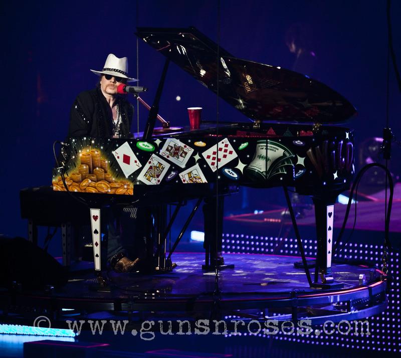 2012.11.03 - The Joint, Las Vegas, USA LargeauJXxUo8gEDvgeClzqgMxRIYMhbGfE7JL0kAAAA4aUY