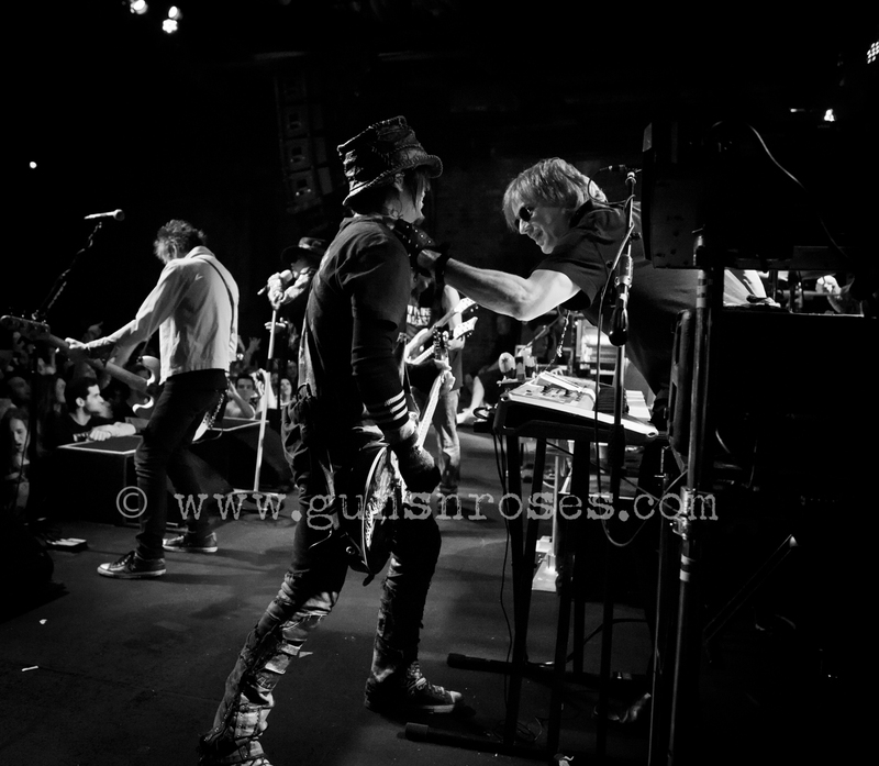 2013.06.06 - Brooklyn Bowl, New York, USA LargeifCEb8W_0Q144e7yz5d3MXHHzDNTtf8yBH9mcV_T7JY_zps252b34e2