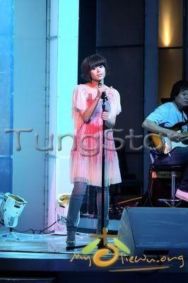 [1 June 2009] Myolie at JSG Show 20090530funz_tx005
