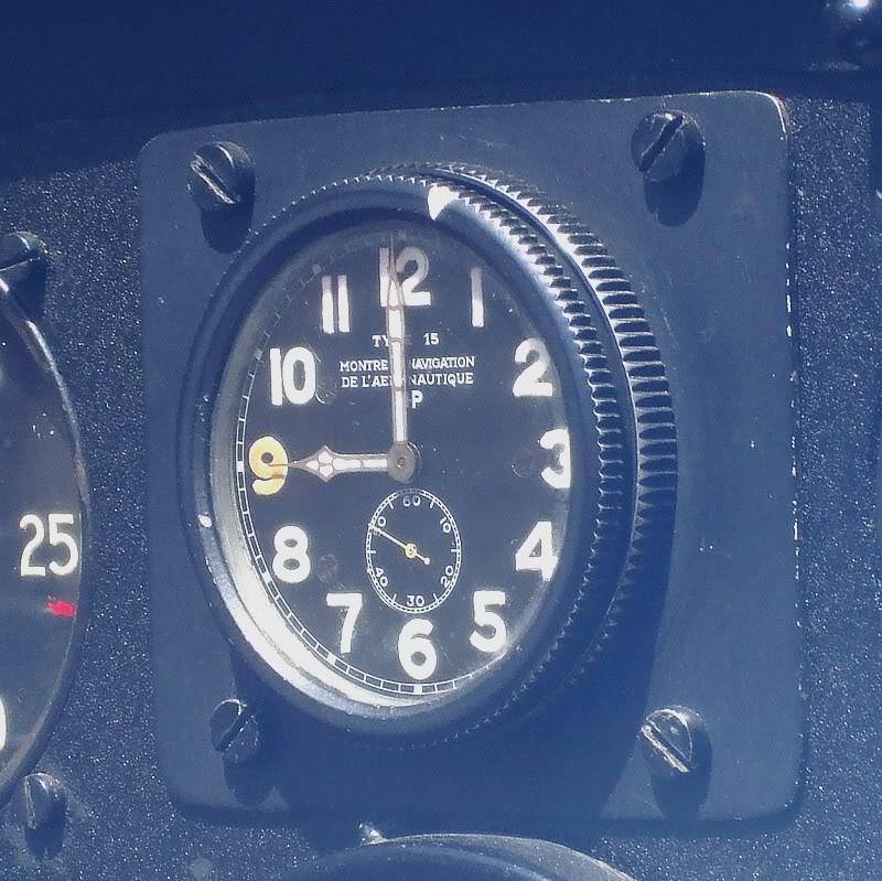 Montres de bord d'avion, sous-marin, tank, voiture, camion, bus ... Lipt152