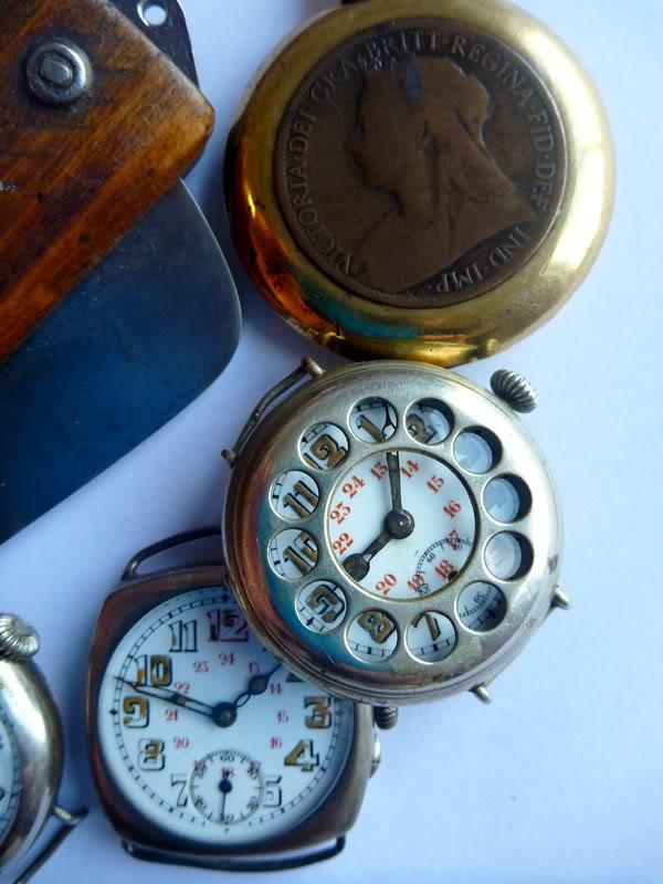 Spécial 11 novembre ... Les montres de soldats inconnus  Poilu3