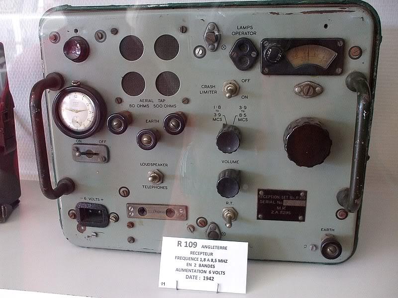 Montres de bord d'avion, sous-marin, tank, voiture, camion, bus ... Radioanglaise1