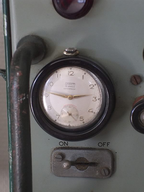 Montres de bord d'avion, sous-marin, tank, voiture, camion, bus ... Radioanglaise2