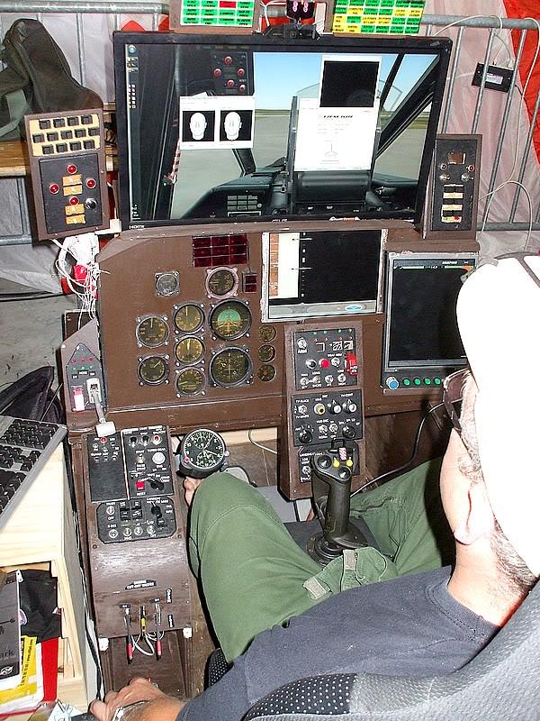Montres de bord d'avion, sous-marin, tank, voiture, camion, bus ... - Page 2 Simusu25pau1
