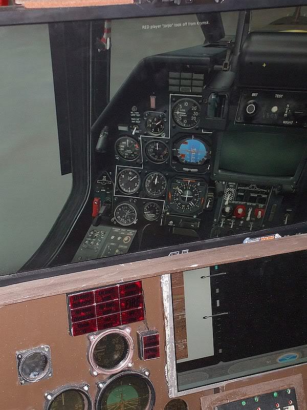 Montres de bord d'avion, sous-marin, tank, voiture, camion, bus ... - Page 2 Simusu25pau3
