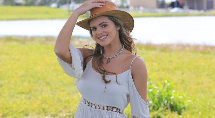 Isabella Castillo/ისაბელა კასტილიო - Page 2 C3cd2583874bb00cefed3ad70452f3b5