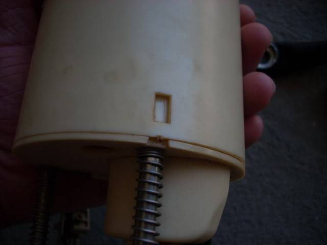 Write-Up: Walbro 255 lph Fuel Pump - Series I DSCN3674