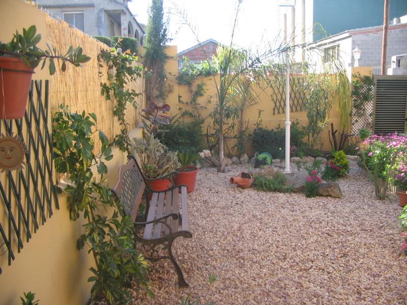 Mis dos pequeños jardines Jardiin050