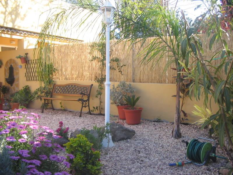 Mis dos pequeños jardines Jardiin051