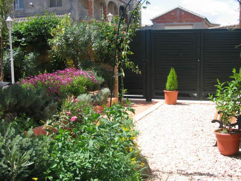 Mis dos pequeños jardines Flores050