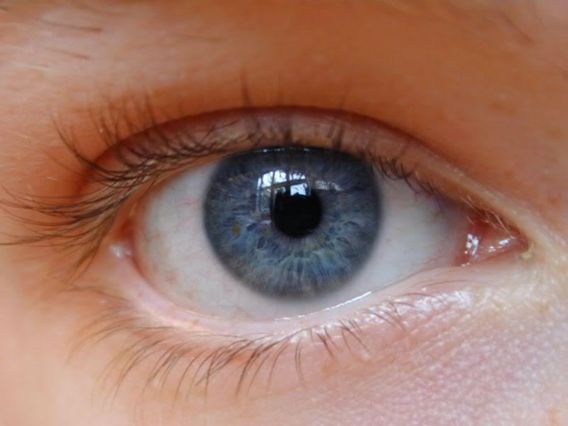 Occhio in puro stile horror [dif facile] Occhio2