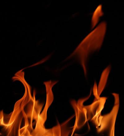 Effetto fuoco [dif facile/media] Fire_black_bg