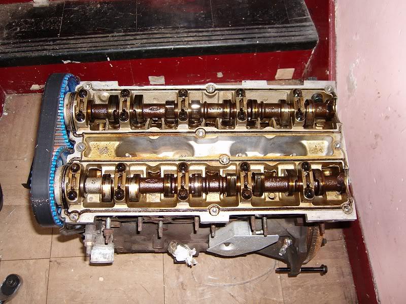 Changing Zetec Camshafts 100d4145