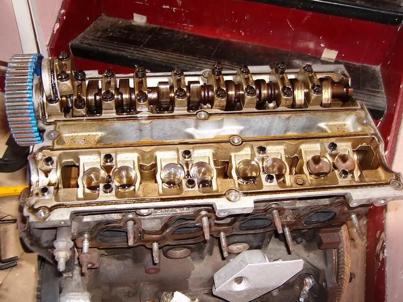 Changing Zetec Camshafts 100d4158