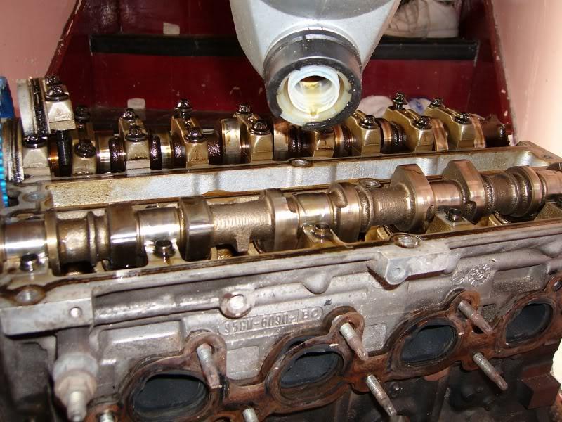 Changing Zetec Camshafts 100d4159