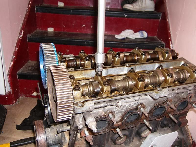 Changing Zetec Camshafts 100d4160