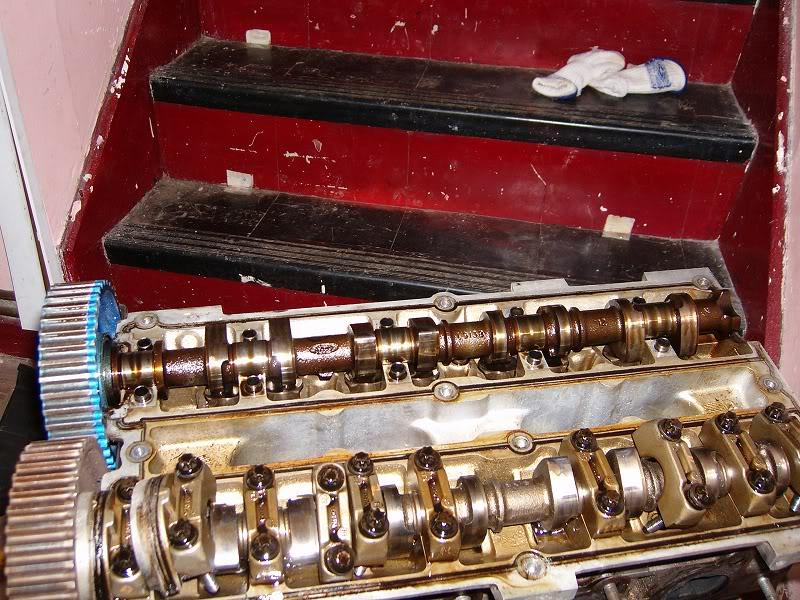Changing Zetec Camshafts 100d4161