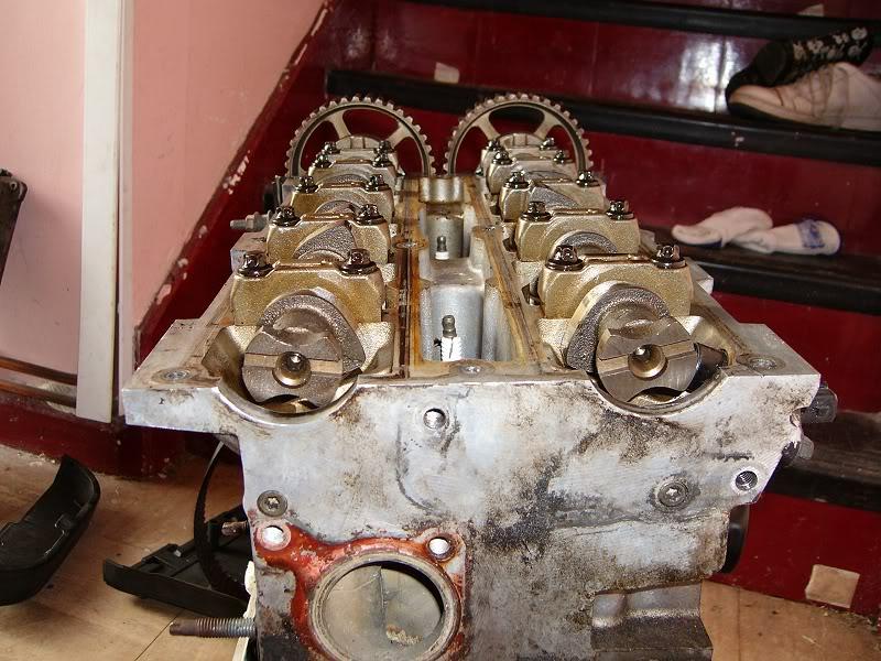 Changing Zetec Camshafts 100d4162