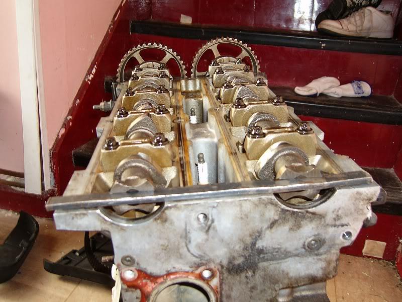 Changing Zetec Camshafts 100d4163