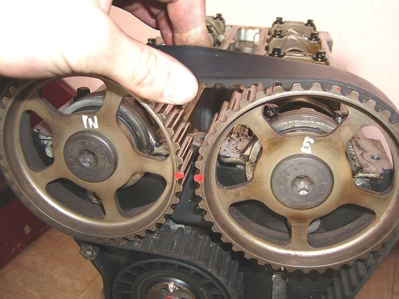 Changing Zetec Camshafts 100d4167