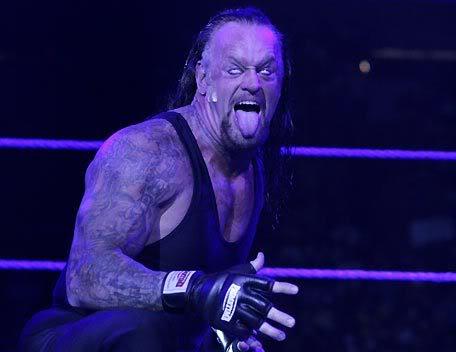 صور سي ام بنك و الانتر تيكر Undertaker9