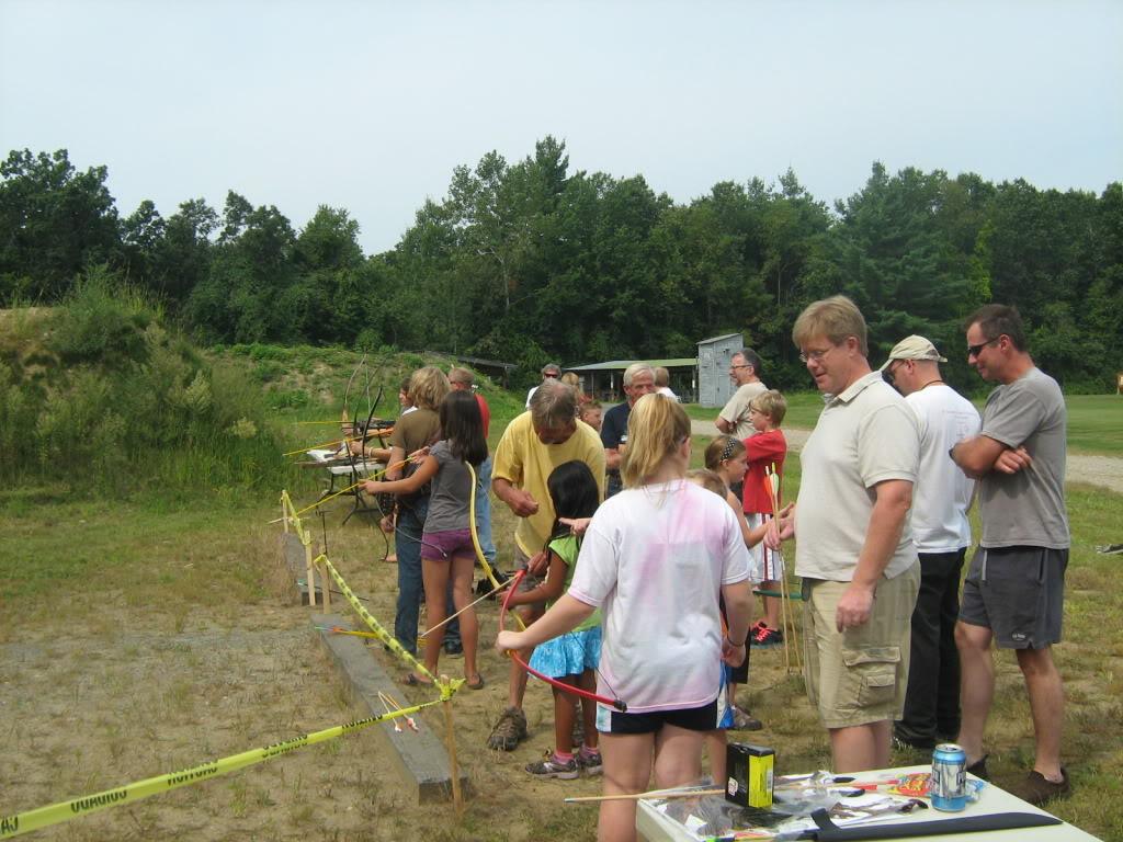 Family archery day - bows, crossbows, atlatls 142_full