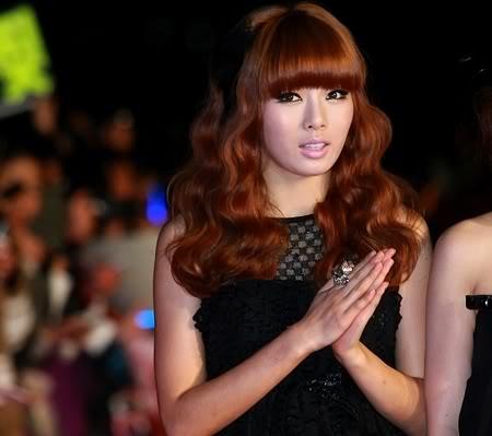 [20.05.10] Điệu nhảy ngẫu hứng của HyunAh làm các fan phấn khích ~ 20100520_hyuna_1