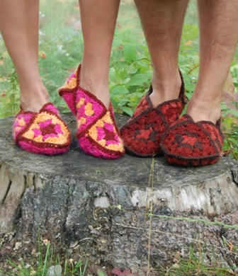 Provocarea nr. 7 - Crosetat - Granny square Granny-square-slippers-41_zps56bb32ac