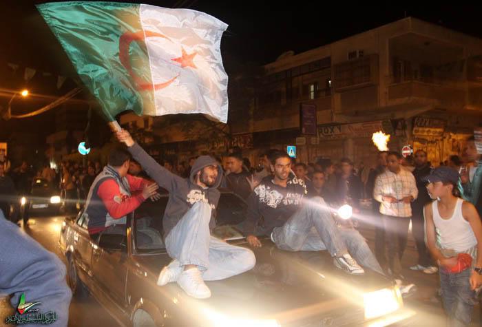 صور لانصار المنتخب الجزائري في غزة IMG_3147-1
