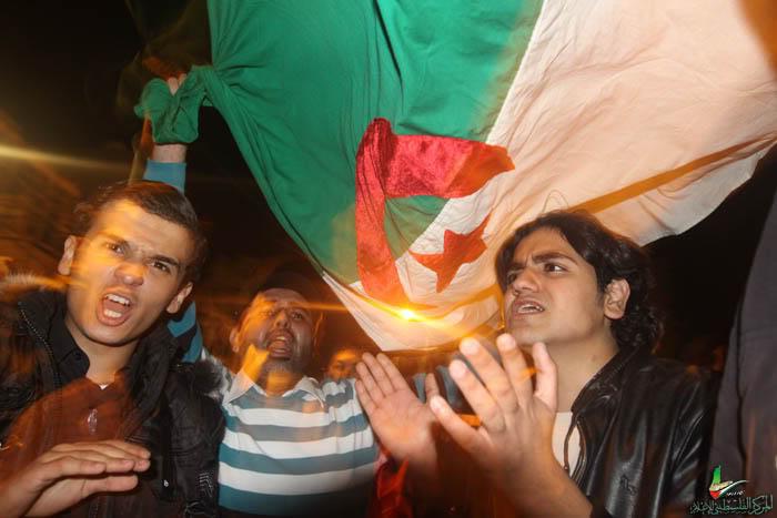 صور لانصار المنتخب الجزائري في غزة IMG_3147-5