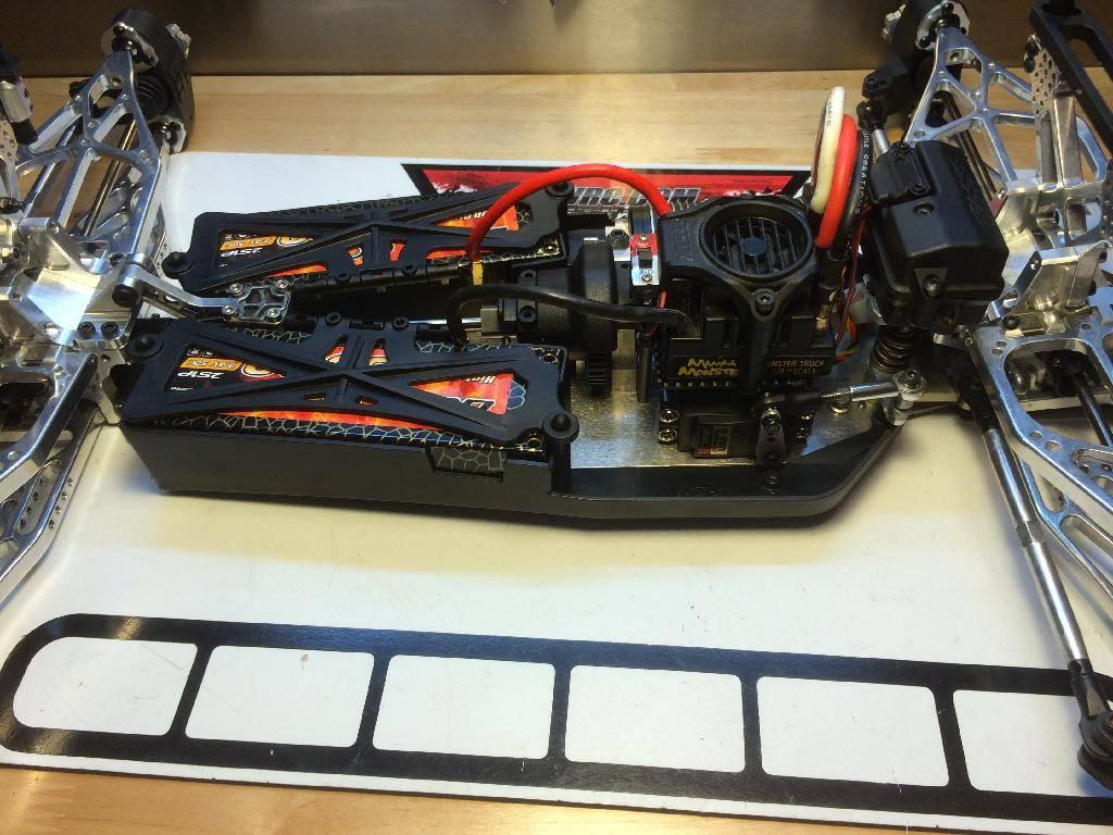 Ph@ntom Maxx chassis 1F077EC8-D36E-40BF-8FA6-4E5DA0532606