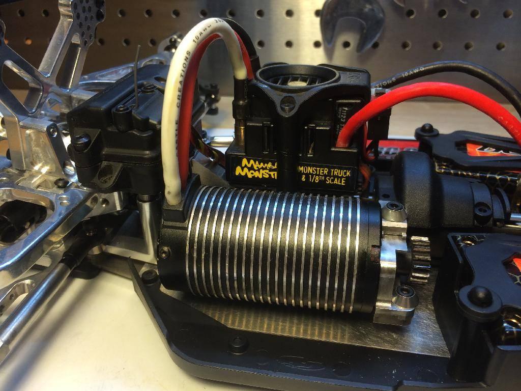 Ph@ntom Maxx chassis 8FBD1BE8-DFBF-47CC-A20C-CBA43A389E9A