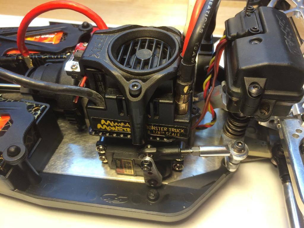 Ph@ntom Maxx chassis F093536D-4201-4AC4-87DF-EF52A907C861