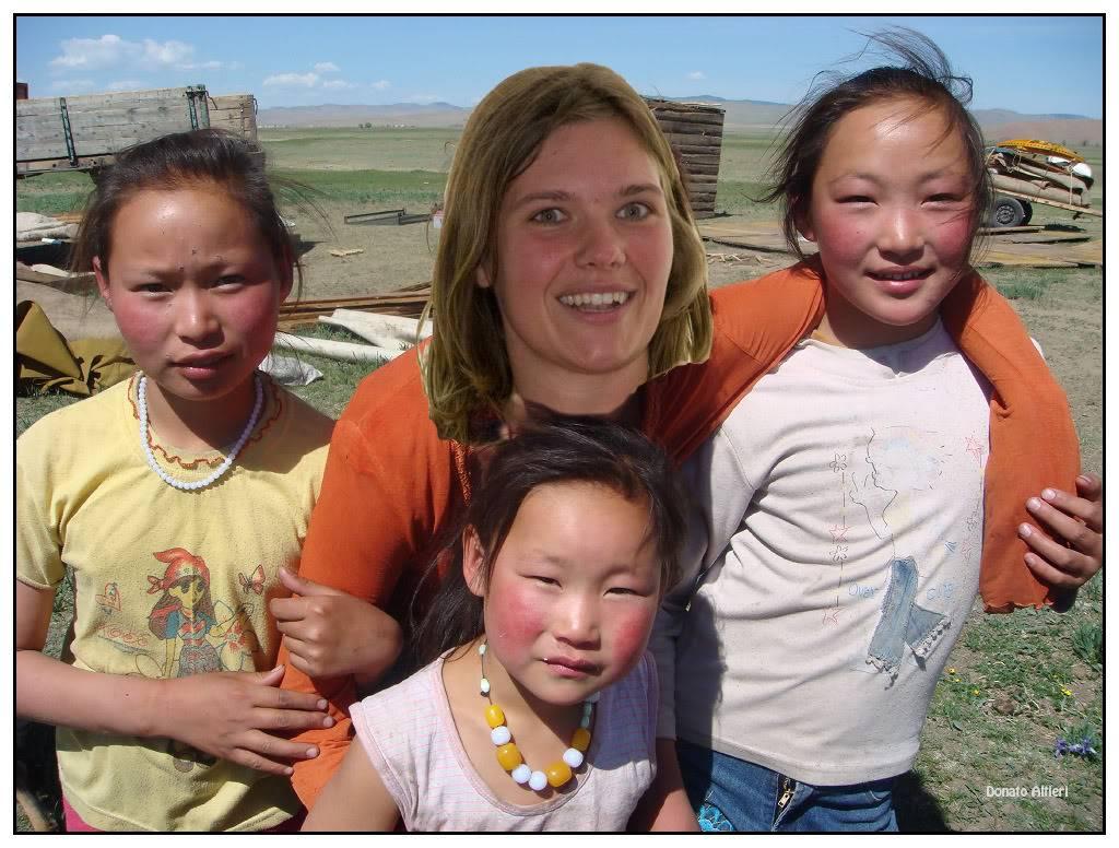 Milka et Donato au Mondial de l'Auto - Page 10 Katja_MongolieM