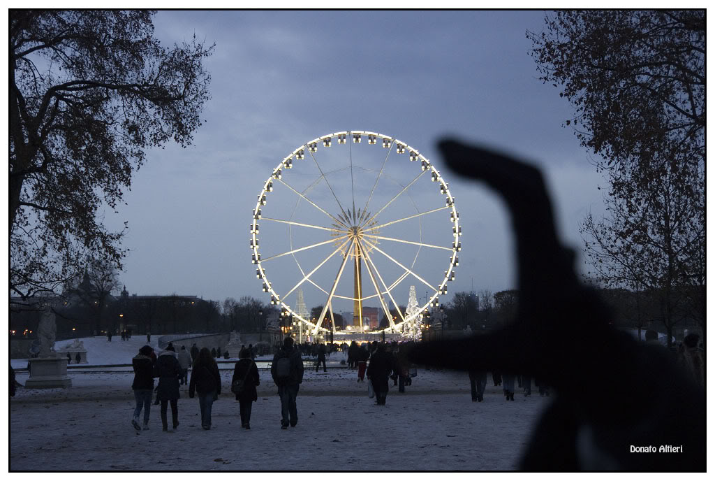 Sortie Paris 4 et 5 Decembre 2010 - Page 2 IMG01000