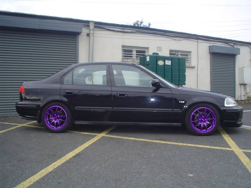 any chance someone could photoshop my wheels?? Saloonpurplerims