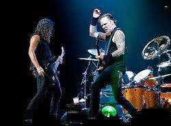 [Sharing]Band Fave Anda !!! 250px-Metallica_London_2008-09-15_K