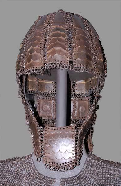 casco almogávar Enrejado1