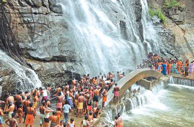 குளு குளு குற்றாலம் Courtallam-kutralam-waterfallssouth-indias-most-natural-spa-21359659