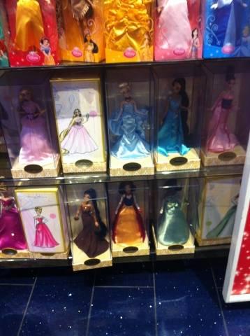 Disney Princess Designer Collection (depuis 2011) - Page 3 IMG_1540